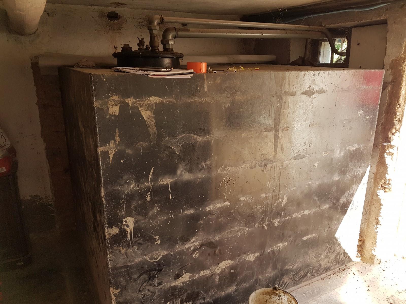 2 me chantier d coupe d 39 une cuve fioul sur mulhouse fioultech. Black Bedroom Furniture Sets. Home Design Ideas