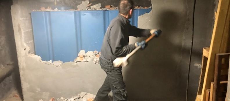Enlèvement du mur de rétention + découpe cuve fioul rectangulaire de 6000l sur Mulhouse: le 13.12.18