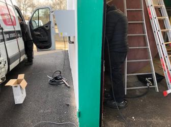 Fourniture et pose d'une cuve de 10000l et installation d'une station murale de distribution