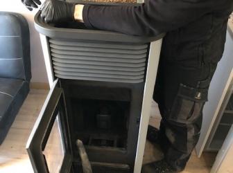 Livraison d'une palette de granulés et entretien de 2 poêles à granulés: le 29.01.19