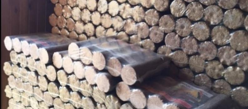 Livraison et rangement de 2 tonnes de bois densifiés sur Labaroche : 05.09.17
