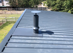 Pose d'un conduit isolé avec souche de toiture à CERNAY : LE 08.08.19