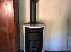 Pose d'un poêle à granulés EDILKAMIN modèle CHERRY UP 11kW blanc céramique sur ROMBACH-LE-FRANC: LE 16.09.19